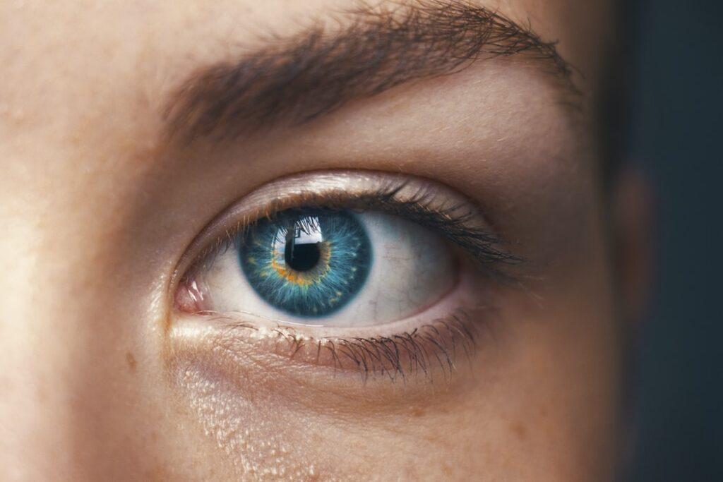 objawy retinopatii