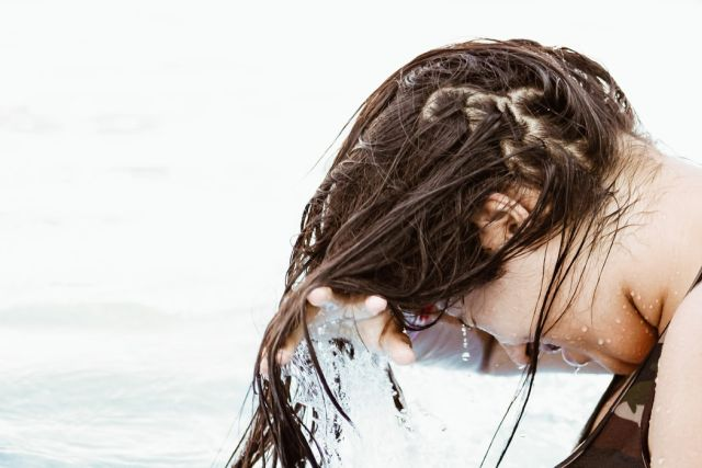objawy łysienia bliznowaciejącego