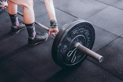 jak zachować się na siłowni