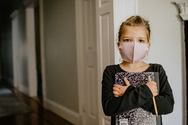 leczenie SARS CoV 2 u dzieci