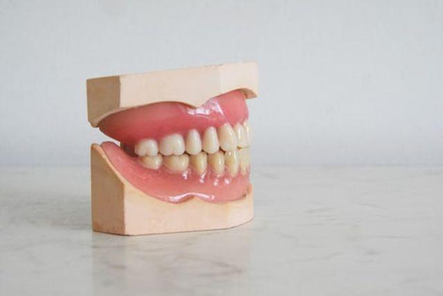 sztuczna proteza