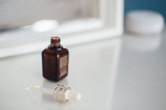 olejek jojoba na skórę