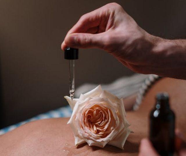olejek różany na skórę