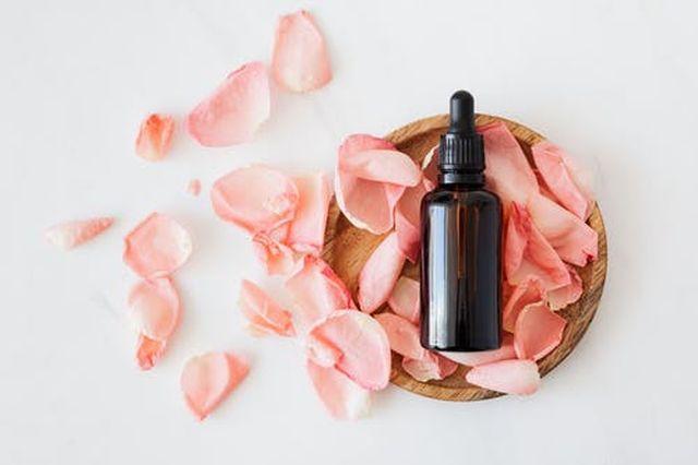 olejek z płatków róży