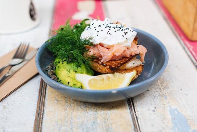 posiłek białkowo - tłuszczowy